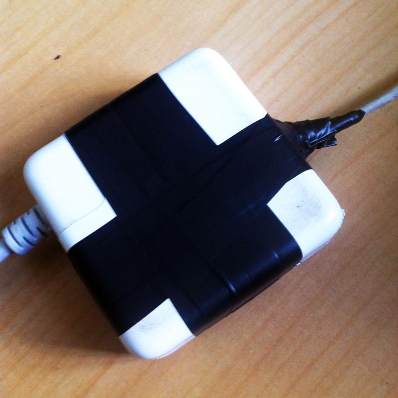repairing-broken-macbook-magsafe-power-adapter-04