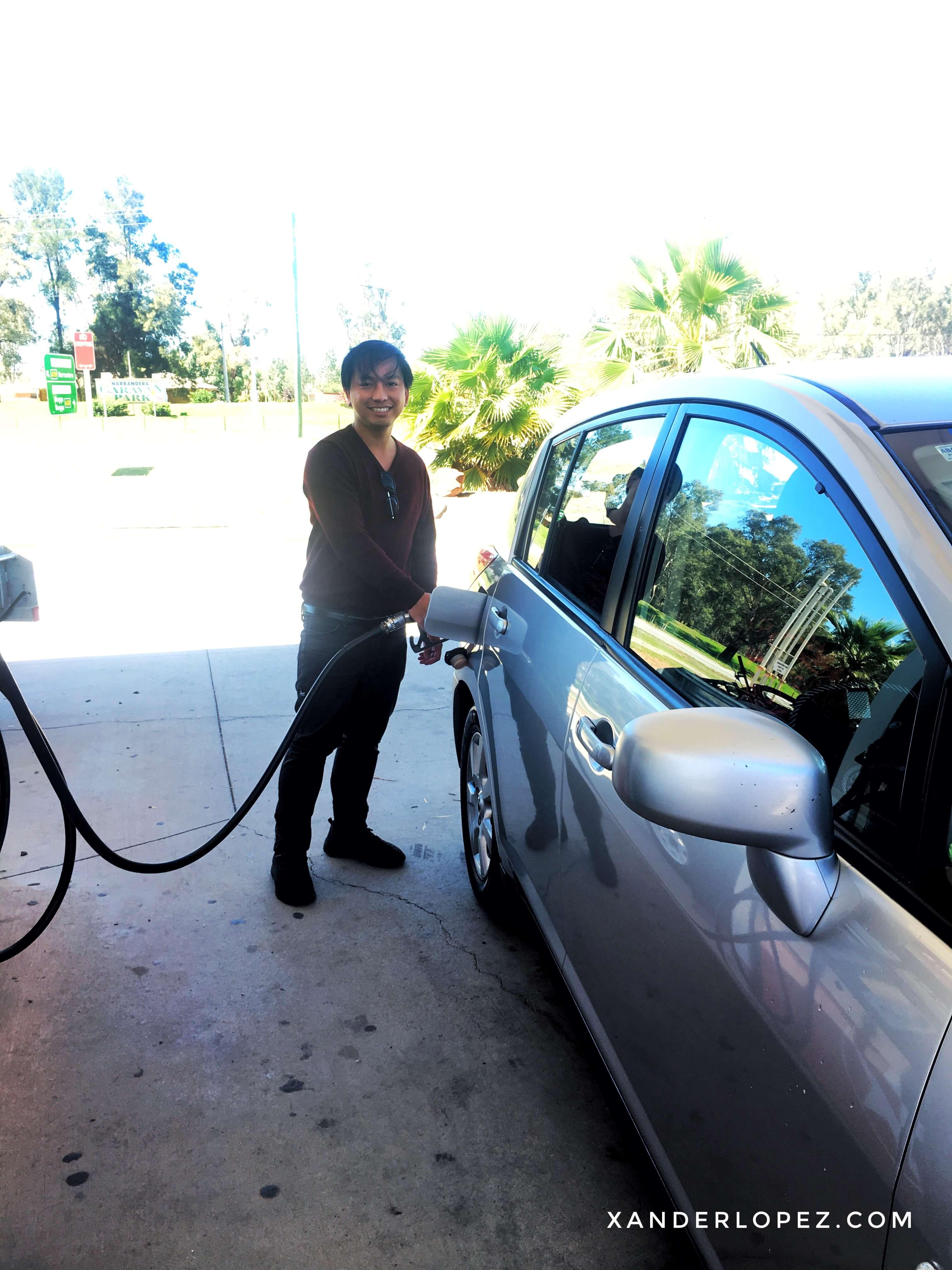 australia-melbourne-brisbane-petrol