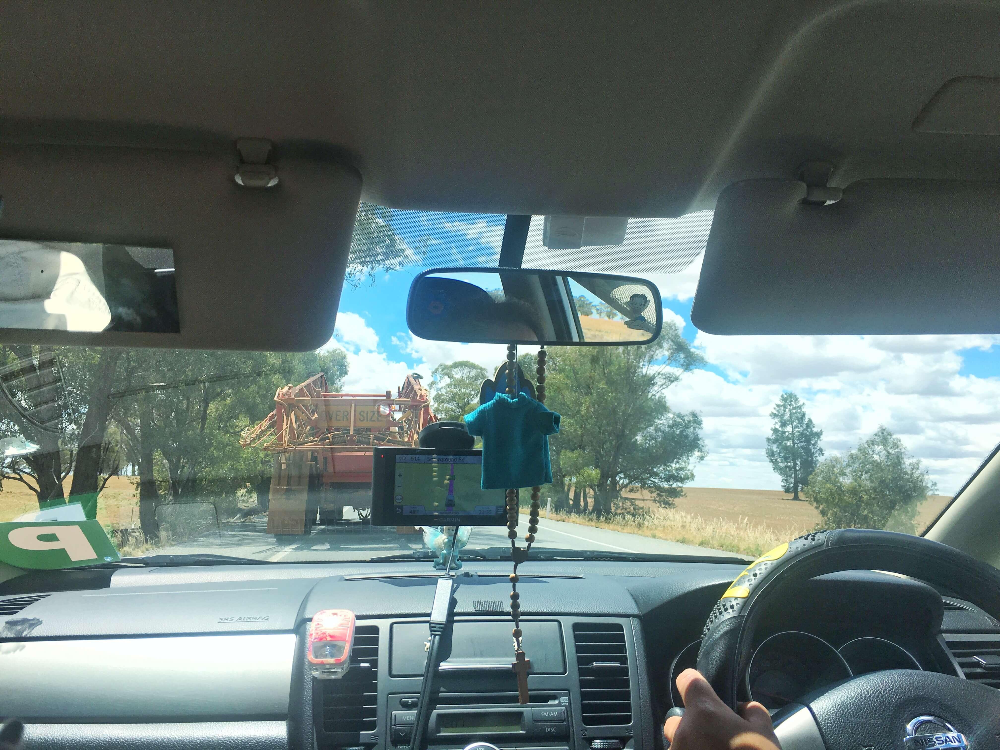 australia-melbourne-brisbane-truck
